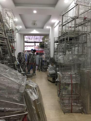 Nhà phố quận Bình Thạnh Nhà mặt tiền đường Bạch Đằng, cách chợ Bà Chiểu 500m, sổ hồng đầy đủ.