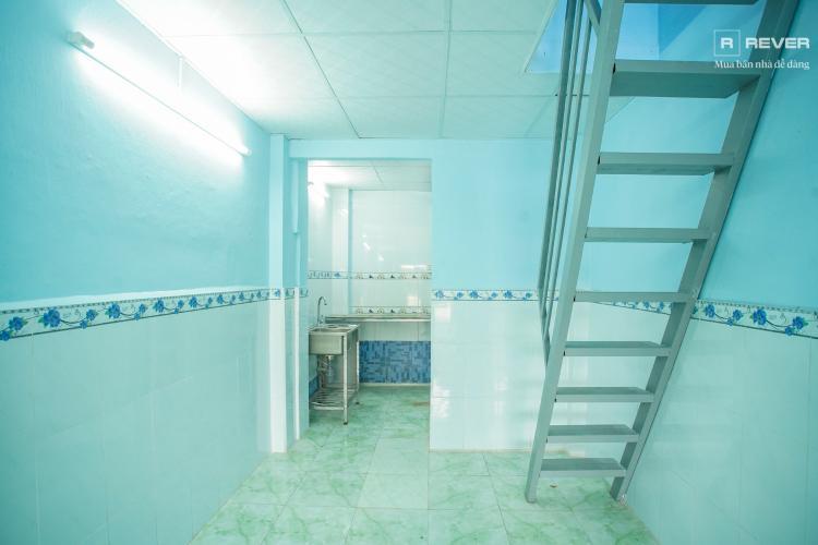 Tầng trệt  bên trong cầu thang Bán nhà phố 2 tầng, phường Tân Thuận Tây, Quận 7, sổ hồng chính chủ