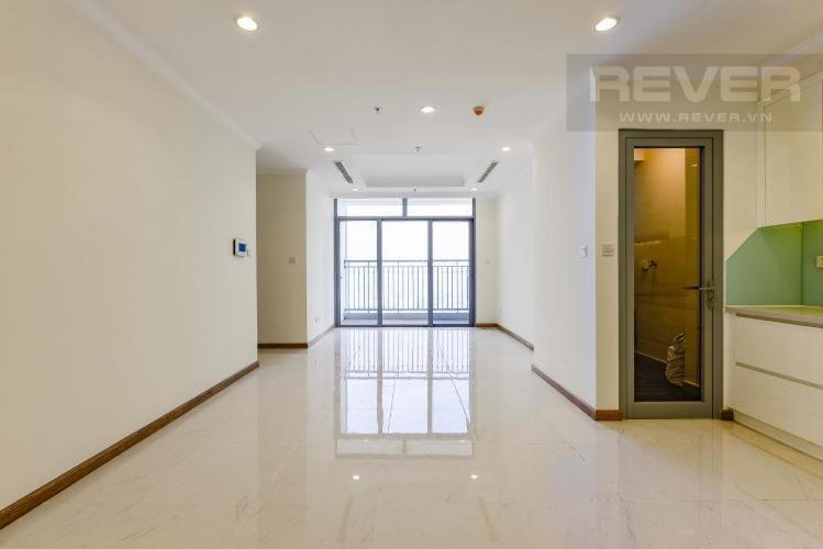 Bán căn hộ Vinhomes Central Park 2PN, tầng 3, đầy đủ nội thất, ban công Đông Nam