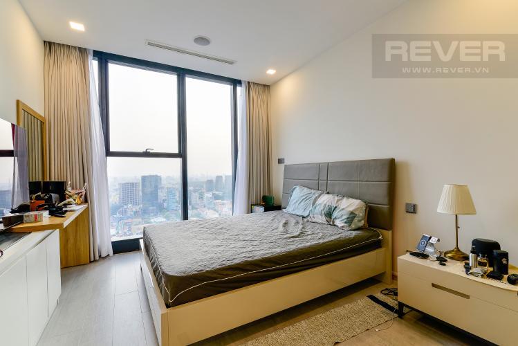 Phòng Ngủ 2 Căn hộ Vinhomes Golden River 4 phòng ngủ tầng cao A3 hướng Tây Bắc