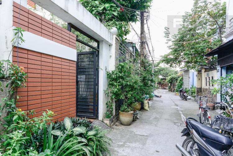 Đường Vào Nhà Nhà phố 1 trệt, 3 lầu, 4 phòng ngủ có sân thượng hẻm đường Nguyễn Thiện Thuật