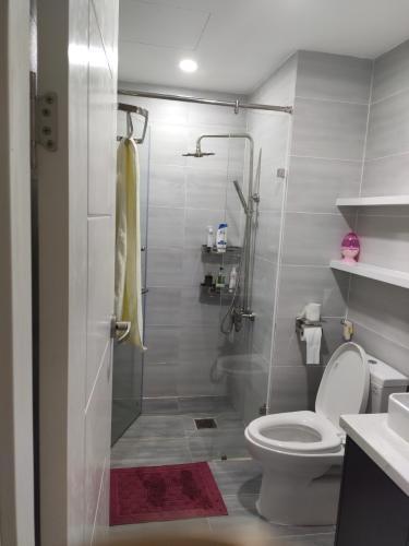 Phòng tắm căn hộ Palm Heights Căn hộ Palm Heights đầy đủ nội thất tiện nghi, view thành phố.