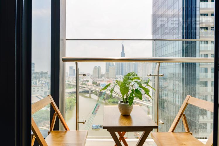 Bancony Officetel Vinhomes Golden River 2 phòng ngủ tầng trung A3 view sông