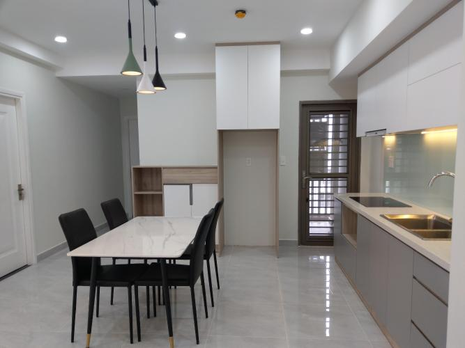 Cho thuê căn hộ Saigon South Residence tầng trung, 3 phòng ngủ, diện tích 94m2, đầy đủ nội thất.