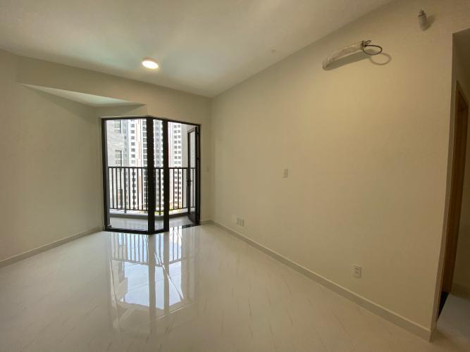Phòng ngủ căn hộ Safari Khang Điền Căn hộ view hồ bơi Safira Khang Điền tầng thấp, diện tích 63m2.