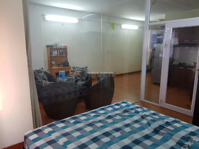 Căn hộ chung cư Tân Mai đầy đủ nội thất view nội khu, hướng Nam.