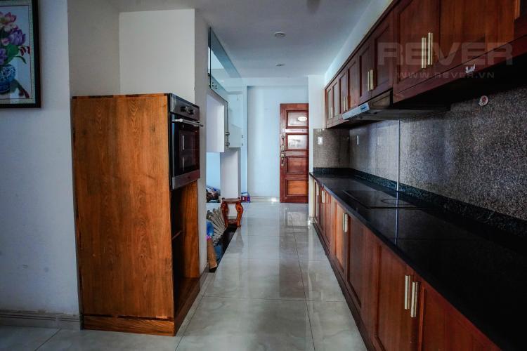 Phòng Bếp Bán Penthouse Hoàng Anh Gold House 4PN, diện tích 310m2, đầy đủ nội thất, có sân vườn rộng
