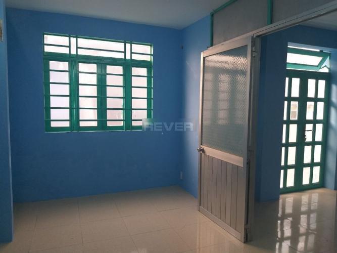 Phòng ngủ nhà phố Bình Tân Nhà phố mặt tiền Bình Tân diện tích sử dụng 80m2, hướng Đông.