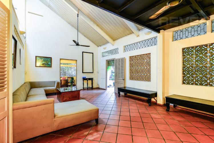 Phòng Khách Nhà phố 4 phòng ngủ hẻm đường Nguyễn Văn Đậu nội thất đầy đủ