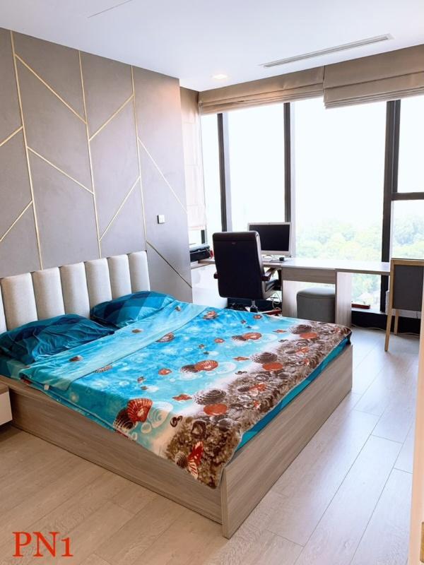 5 Bán căn hộ Vinhomes Golden River 2PN, tầng trung, đầy đủ nội thất, view sông và thành phố