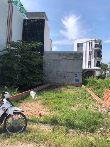 Bán đất nền P. Phú Hữu, Q.9 diện tích 5x16m, có giấy phép xây dựng.