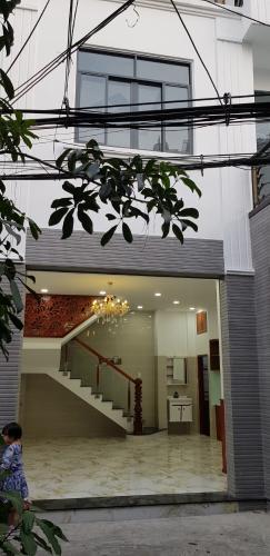 Nhà phố đường Nguyễn Văn Nghi, Gò Vấp Nhà phố 3 tầng lầu diện tích 44.4m2 nhà còn mới, có sổ hồng riêng.
