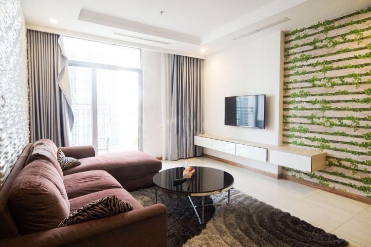 Phòng khách căn hộ Vinhomes Central Park Cho thuê căn hộ Vinhomes Central Park, nội thất đầy đủ, view thành phố.