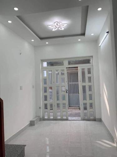 Bán nhà phố 1 trệt 1 lầu hẻm 2.5m đường Lê Quang Định, sổ đỏ chính chủ