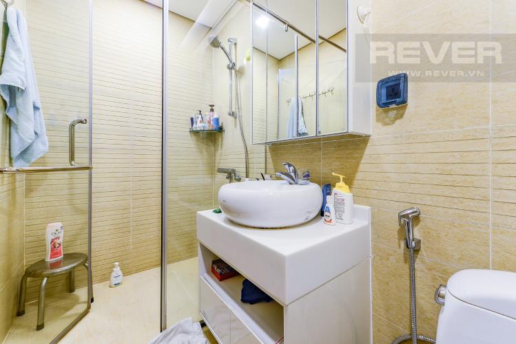 Phòng tắm 1 Căn hộ Vinhomes Central Park tầng thấp. Park 6, 2 phòng ngủ, full nội thất