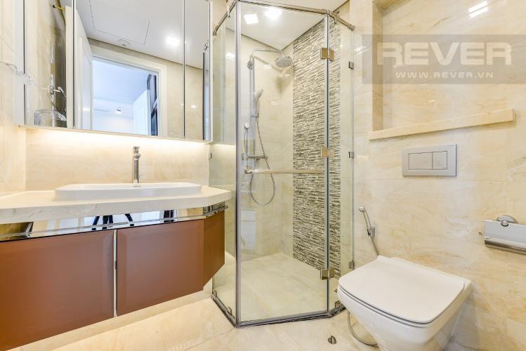 Phòng tắm 1 Officetel Vinhomes Golden River 2 phòng ngủ tầng trung A3 view sông