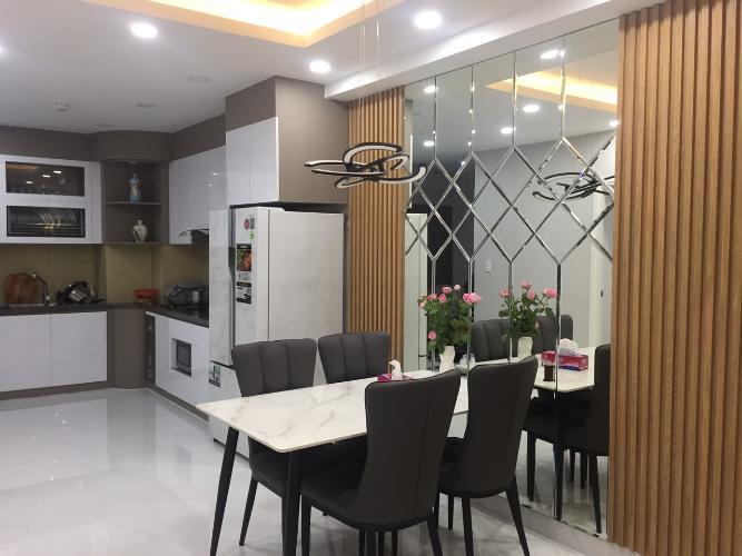 Căn hộ Saigon South Residence tầng trung, thiết kế hiện đại tinh tế.