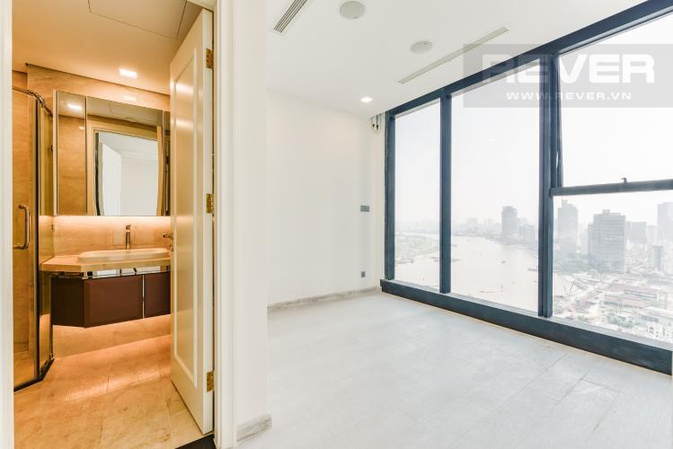 Phòng ngủ 1 Bán căn hộ Vinhomes Golden River tầng cao, 2PN view sông, nội thất cơ bản