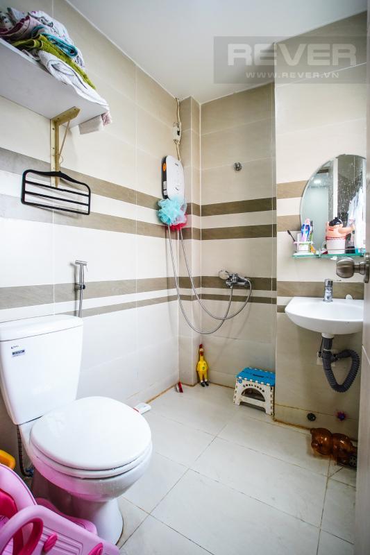 Phòng Tắm Bán nhà phố mặt tiền đường Huỳnh Văn Bánh, Q. Phú Nhuận, 4 tầng, diện tích đất 61m2, cách đường Lê Văn Sỹ 200m