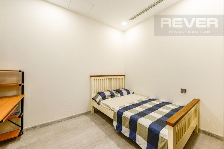Phòng ngủ 2 Căn hộ Vinhomes Golden River tầng cao, 2PN, đầy đủ nội thất, view đẹp