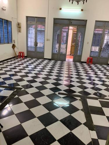 Phòng khách nhà phố Bình Thạnh Nhà phố hướng Đông diện tích 200m2, gần Co.opmart Chu Văn An.