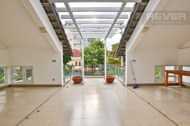 Sân Thượng Cho thuê biệt thự khu Thảo Điền 2 tầng, 4PN, đầy đủ nội thất