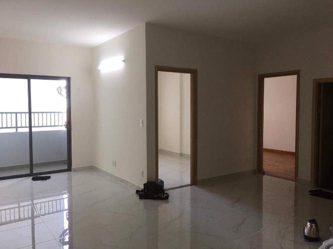 Phòng khách căn hộ Fresca Riverside Căn hộ Fresca Riverside nội thất cơ bản, view nội khu yên tĩnh.