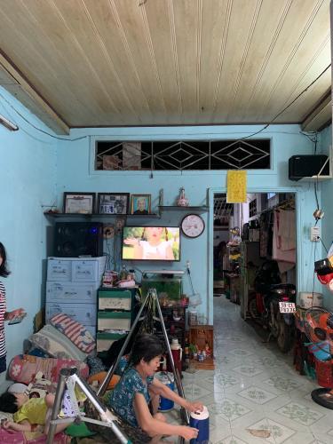 Bán nhà hẻm Đoàn Văn Bơ, Quận 4, 2 tầng, sổ hồng, DT đất 71m2