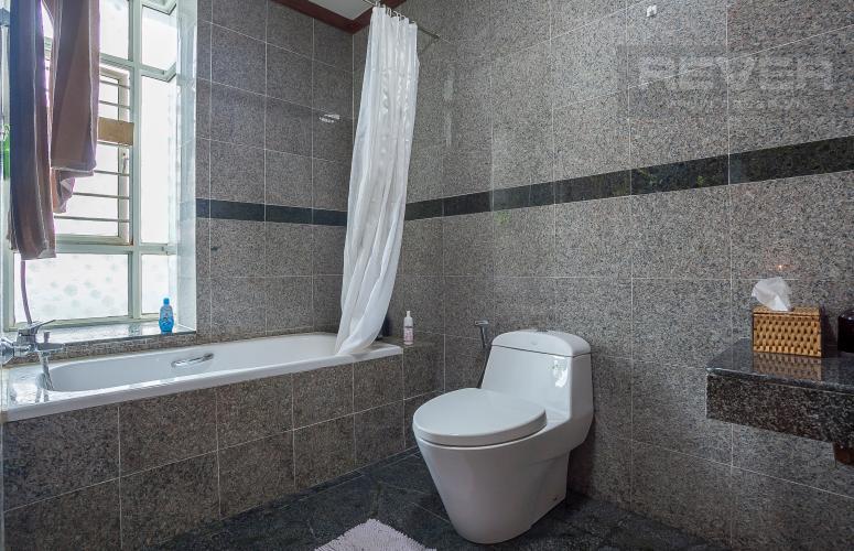 Phòng Tắm 1 Căn hộ Hoàng Anh River View 4 phòng ngủ block C nội thất đầy đủ