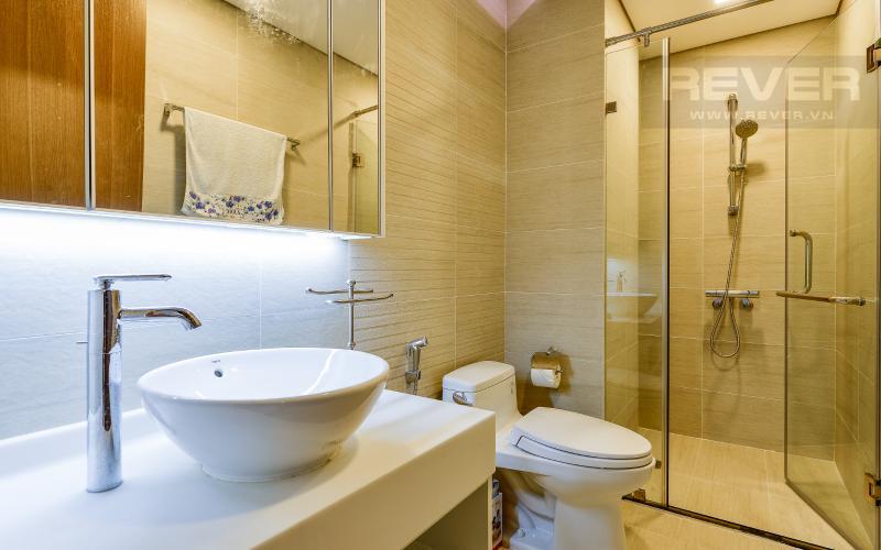 phòng tắm 2 Căn hộ Vinhomes Central Park tầng trung Park 6 view sông, nhiều tiện ích