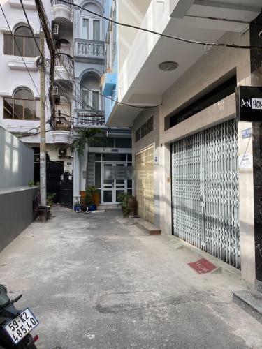 Hẻm nhà phố Lê Thánh Tôn, Quận 1 Nhà phố trung tâm Quận 1 nội thất đầy đủ, nằm trong hẻm xe hơi.