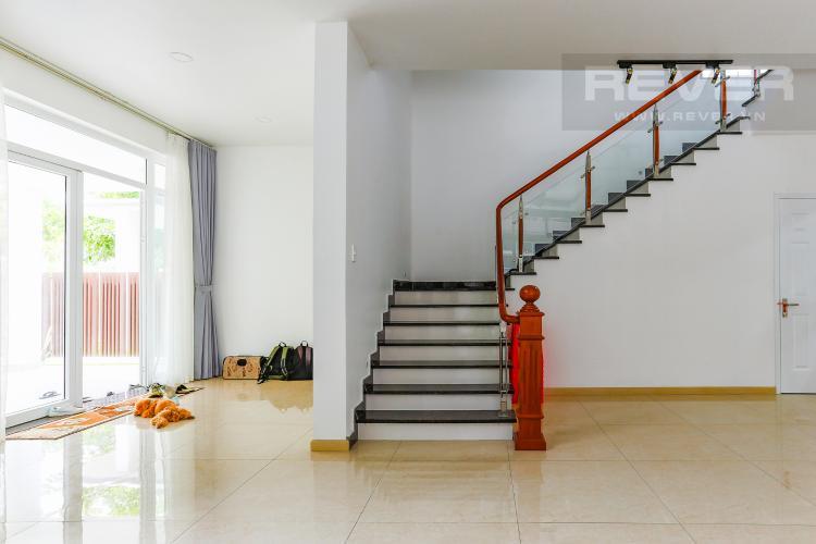 Lối Đi Cầu Thang Biệt thự nghỉ dưỡng 5 phòng ngủ Riviera Cove Quận 9