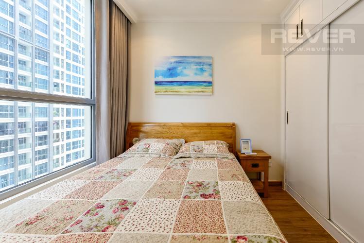 Phòng ngủ 2 Căn hộ Vinhomes Central Park 2 phòng ngủ, tầng thấp C2, nội thất đầy đủ