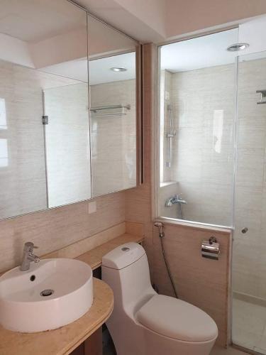 Phòng tắm Saigon Pearl, Bình Thạnh Căn hộ Saigon Pearl tầng trung. nội thất cơ bản, view thành phố.