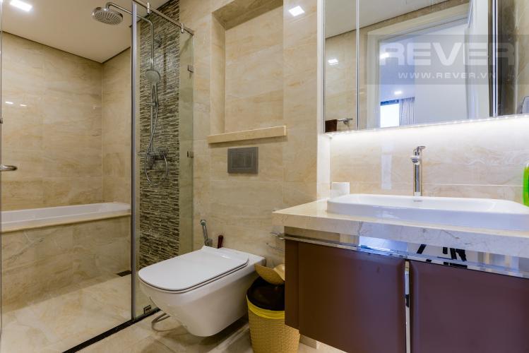 Phòng tắm 1 Căn hộ Vinhomes Golden River tầng cao, view sông, 2PN, nội thất đầy đủ