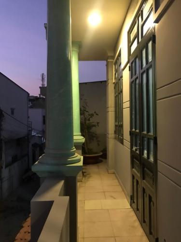 Ban công nhà phố Quận 9 Bán nhà đường Nguyễn Duy Trinh, Quận 9, thổ cư 85m2, cách chợ Long Trường 700m