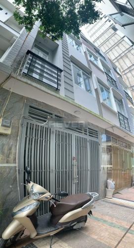 Nhà phố Phú Nhuận hướng Bắc diện tích 150m2, ngay trung tâm quận.