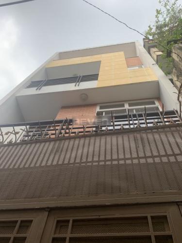 Mặt tiền nhà phố Nguyễn Thượng Hiền, Quận 3 Nhà phố trung tâm quận 3, hẻm 4.5m , hướng Đông Bắc.