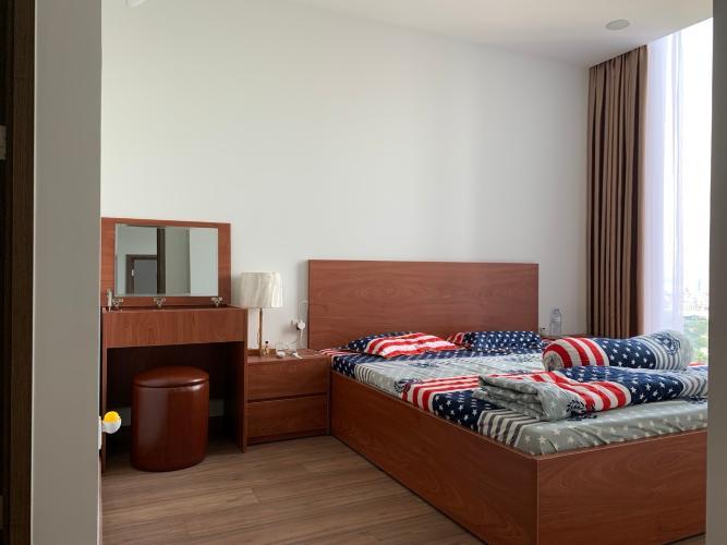 Phòng ngủ Eco Green Căn hộ Eco Green Sài Gòn tầng trung, đầy đủ nội thất, view thành phố.