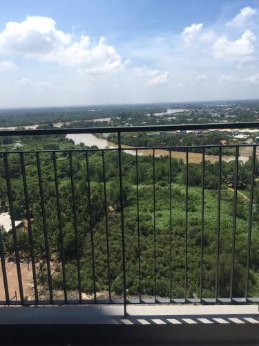 View từ căn hộ Vinhomes Grand Park Bán căn hộ Vinhomes Grand Park view cây xanh và sông thoáng đãng.