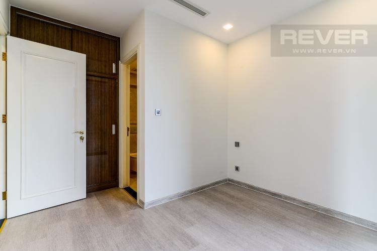 Phòng Ngủ 1 Căn hộ Vinhomes Golden River tòa Aqua 2, 2 phòng ngủ, hướng nhà Tây Bắc, view hồ bơi.