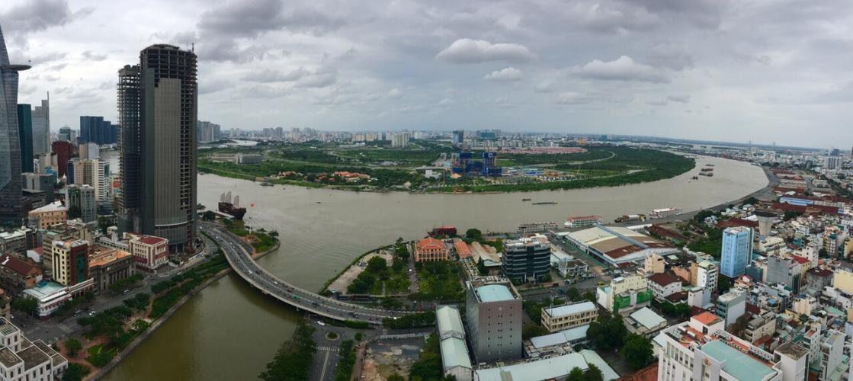 View ban công Saigon Royal, Quận 4 Căn hộ Saigon Royal tầng cao, đón view sông thoáng mát.
