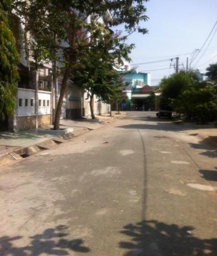 Bán đất nền biệt thự đường Nguyễn Văn Quỳ phường phú thuận quận 7, diện tích đất 157.5m2, sổ đỏ đầy đủ.