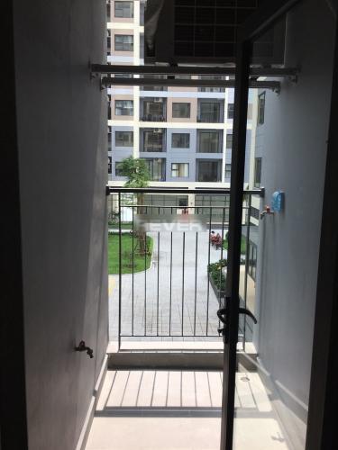 Ban công căn hộ Vinhomes Grand Park Căn hộ Vinhome Grand Park hướng Tây Nam, view nội khu thoáng mát.