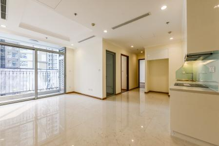Căn hộ Vinhomes Central Park 2 phòng ngủ tầng cao L4 không nội thất