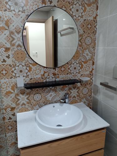 Phòng tắm căn hộ Saigon South Residence Căn hộ Saigon South Residences tầng thấp, đầy đủ nội thất