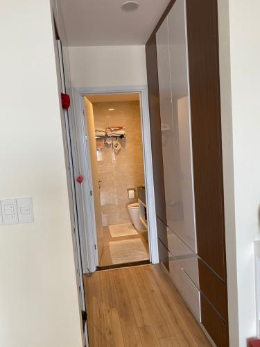 Phòng tắm Kingston Residence, Phú Nhuận Căn hộ Kingston Residence nội thất tiện nghi, view thoáng mát.