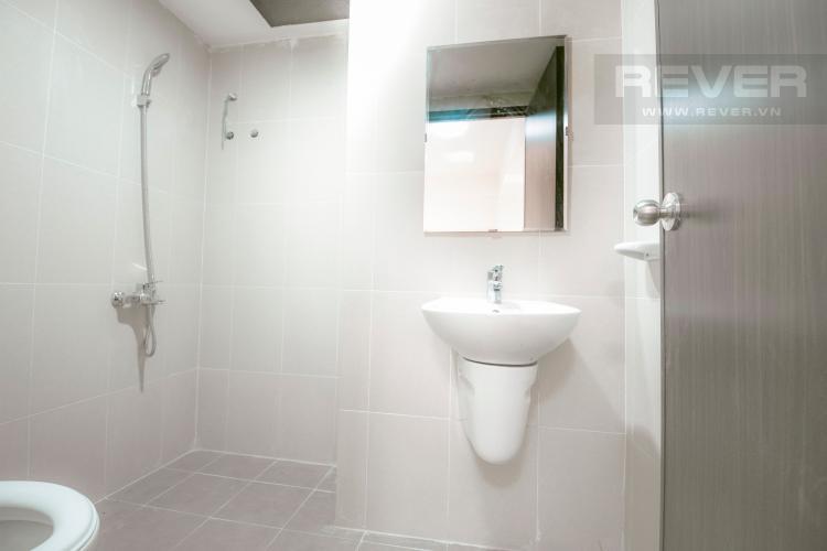 Toilet Căn hộ Sky9 2 phòng ngủ tầng trung CT1 nhà trống