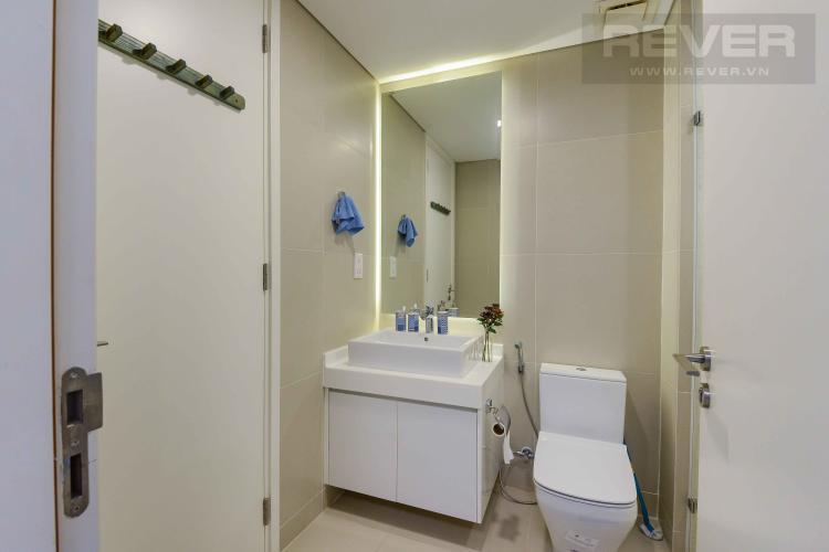 Toilet Cho thuê căn hộ Gateway Thảo Điền 1PN 52m2, đầy đủ nội thất, view Landmark 81