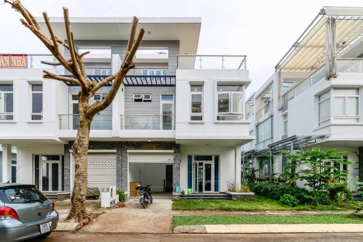 Bán hoặc cho thuê biệt thự H8 Villa Park Quận 9, 3PN và 3WC, đầy đủ nội thất
